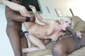 Nude Blonde Milfs Pics