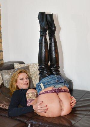 Nude Big Booty Pics