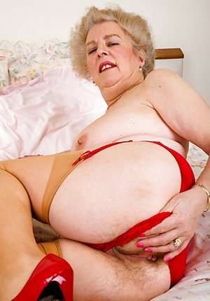 Nude Bubble Butt Pics