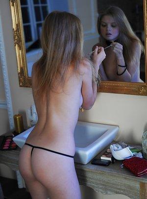Nude Perfect Ass Pics