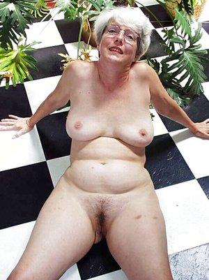 Nude Mature Tits Pics