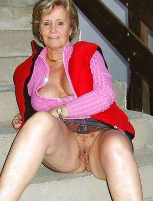 Nude Grandma Pics